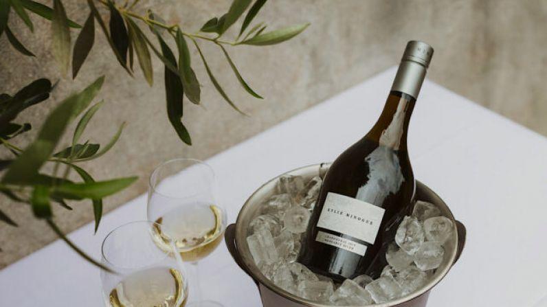 Kylie Minogue strikes gold with aussie Chardonnay