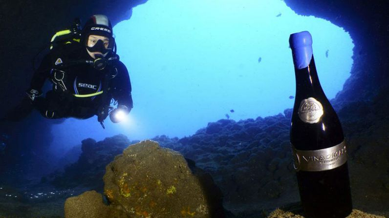 The mystery of underwater wines