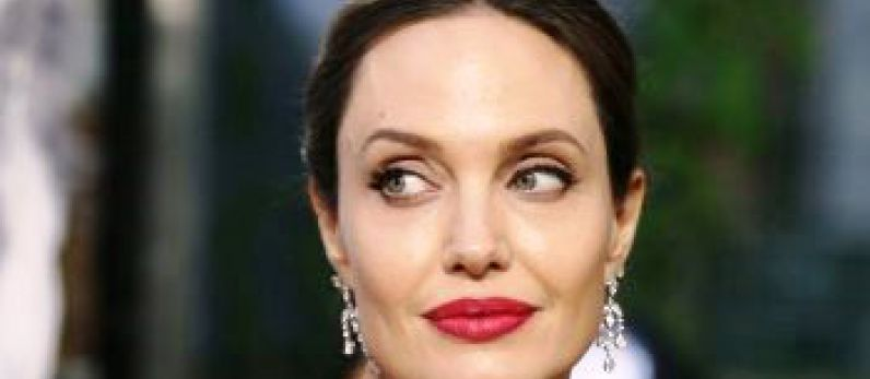 Angelina Jolie moves to sell Château Miraval