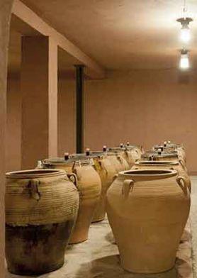 Ánforas de cerámica para madurar el vino