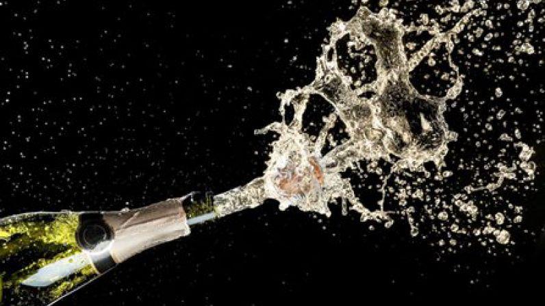 """La industria francesa del champagne, dice que la nueva ley de espumosos de Rusia es """"inaceptable""""."""