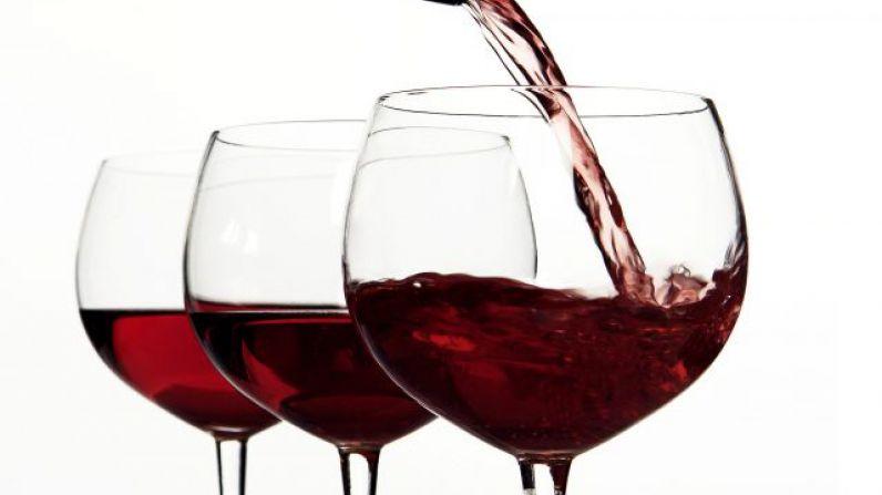 ¿Beber el vino tinto evita realmente el cáncer de próstata?