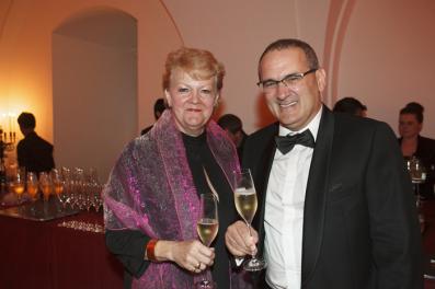 Pedro Ballesteros MW con Lynne Sheriff MW, antigua Presidenta del Instituto de Masters of Wine, en la cena del 60 aniversario de la institución, en Septiembre de 2013