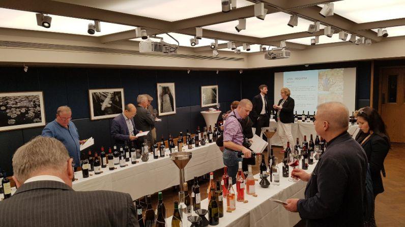 La DO Utiel-Requena presenta sus vinos en  Londres de la mano de Sarah J. Evans MW