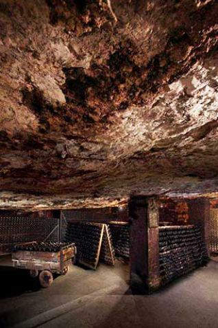 Interior de las cavas Freixenet