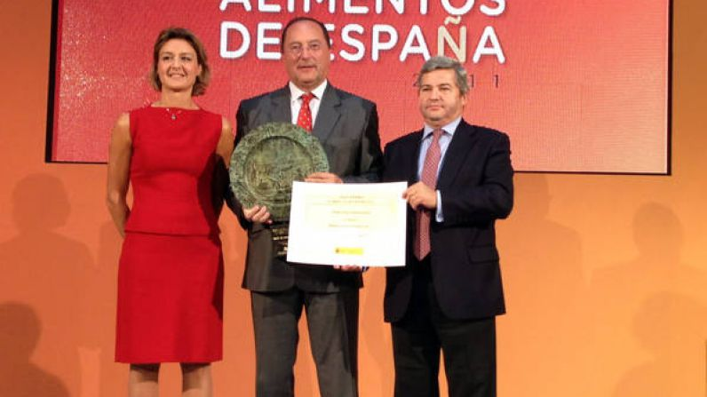 Matarromera recibe el PREMIO ALIMENTOS DE ESPAÑA 2011 a la mejor Industria Agroalimentaria del país