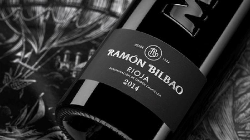 Ramón Bilbao con la Academia Española del Vino.