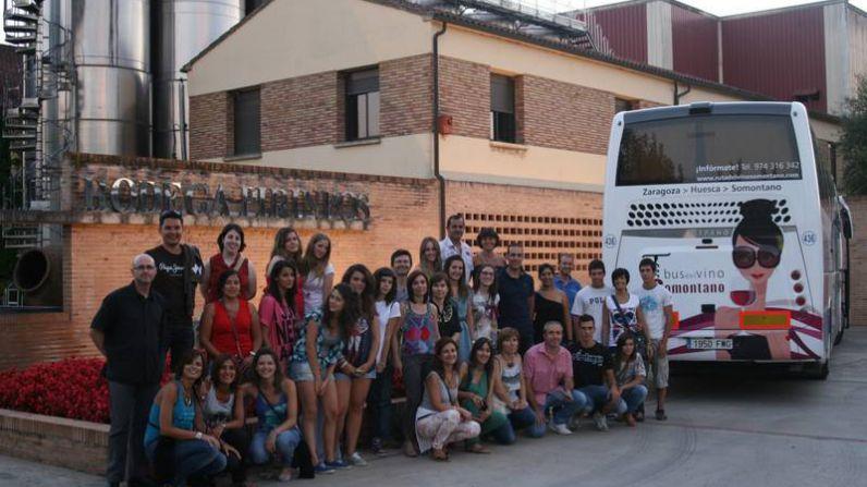 Somontano celebra el día europeo del enoturismo con un bus del vino especial