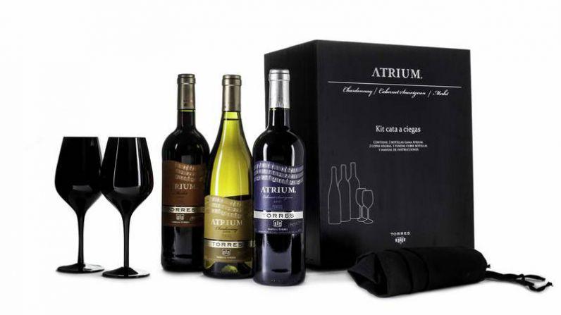 Bodegas Torres presenta esta Navidad un estuche de lujo para aprender a catar vinos y distinguir aromas
