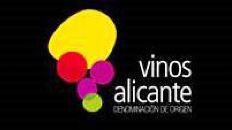 """Vinos de sobresaliente en """"Peñín 2021"""" de la D.O.P. Alicante"""