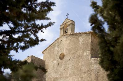 Ermita que da nombre al gran vino de Álvaro Palacios