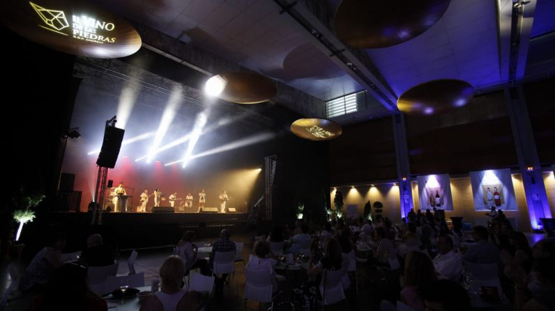 El Festival de las Piedras concluye su primera edición con un balance de 25.000 copas servidas y 2.600 premios repartidos.