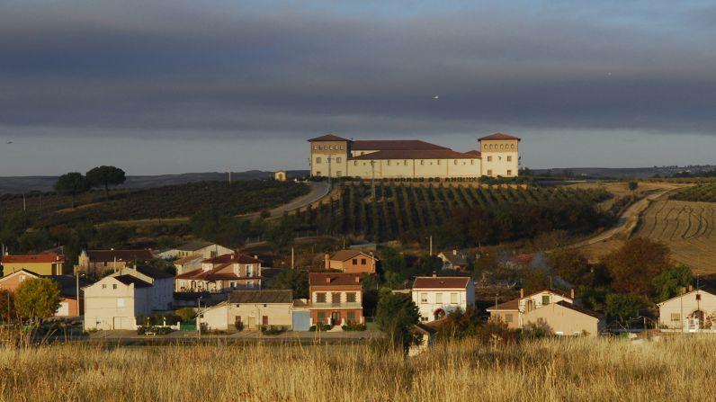Juvé & Camps compra bodega en Castilla y León.