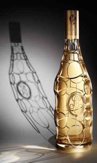 Botella de champán de Louis Roederer, con diseño de Philippe Di Meo