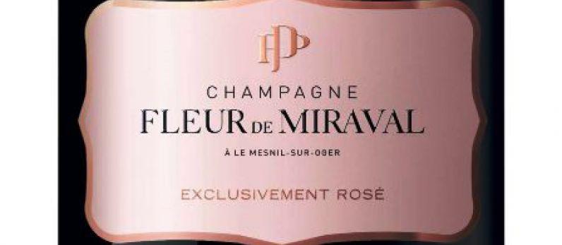 Brad Pitt lanza al mercado Fleur de Miraval, un champagne rosado de 325€.