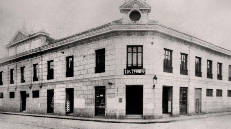 Edificio de la bodega de los hermanos López, apodados Los Leones