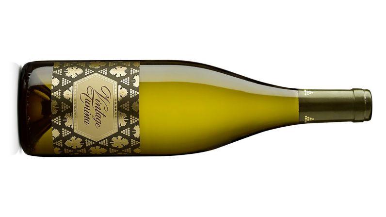 La prestigiosa revista 'Decanter' reconoce al Vintage Tunina como una leyenda vinícola.