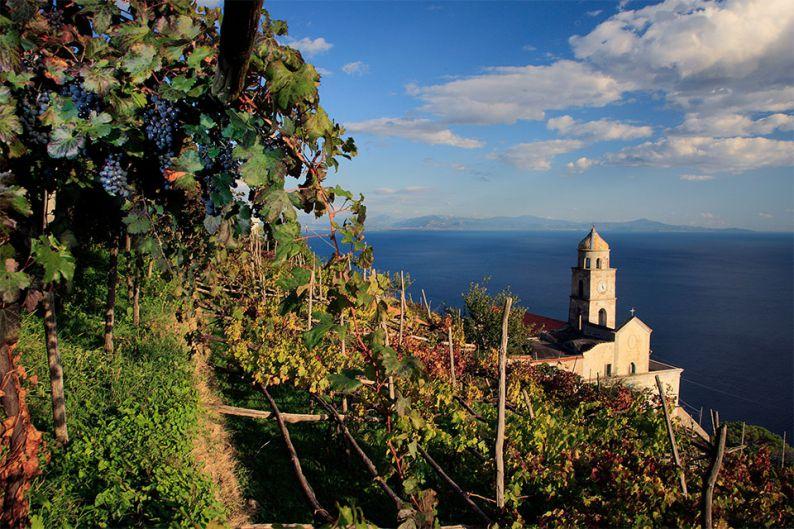 Vista de Campania, en la costa de Amalfi (Italia)